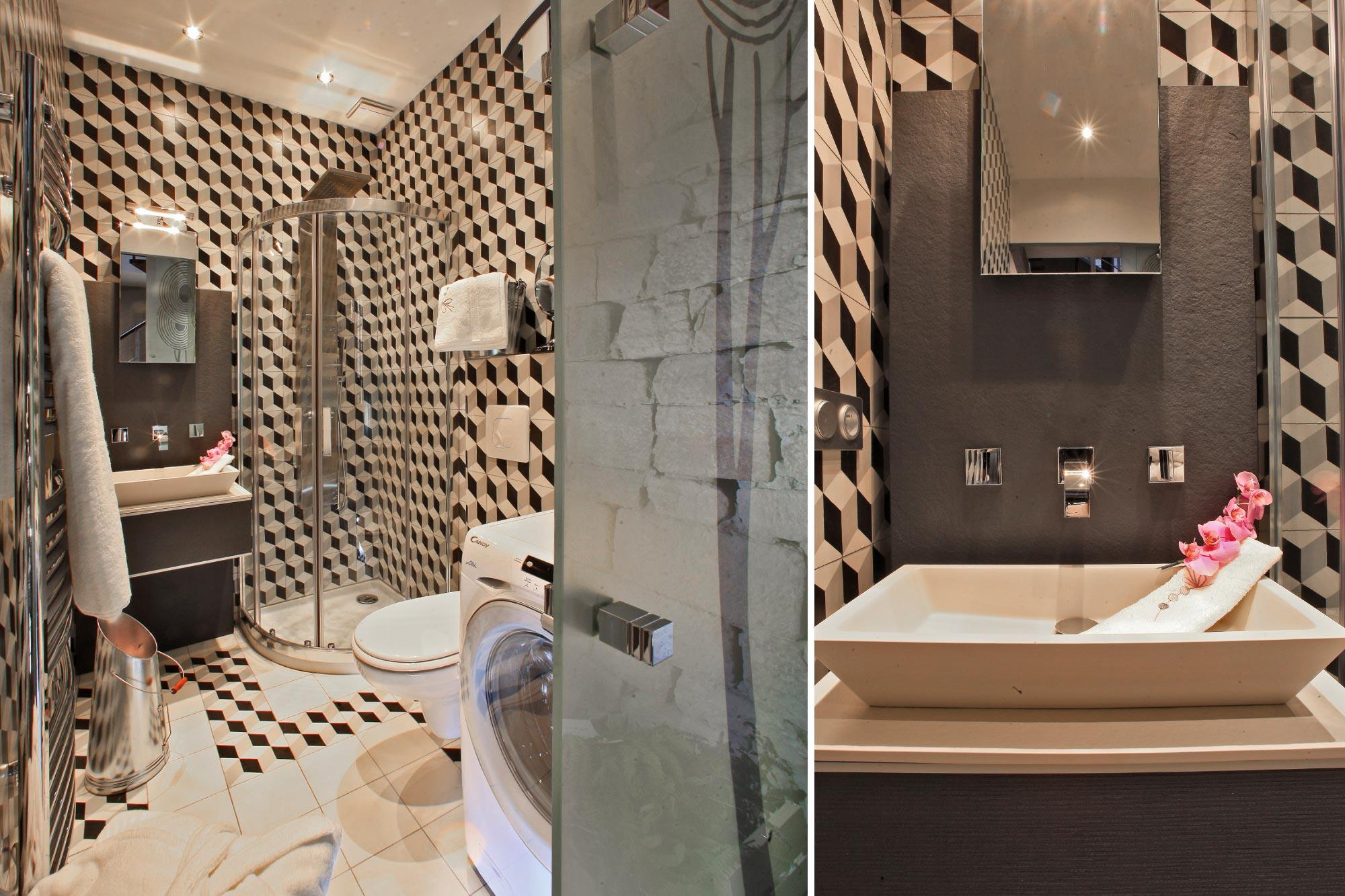 La salle de bain de la location saisonnière à Sarlat Le Clos de l'Abbaye